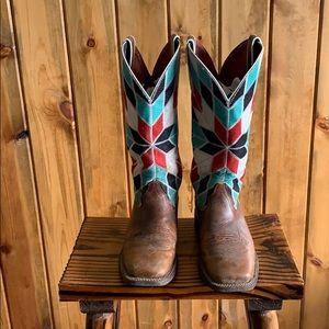 9.5 Ariat Cowboy Boots